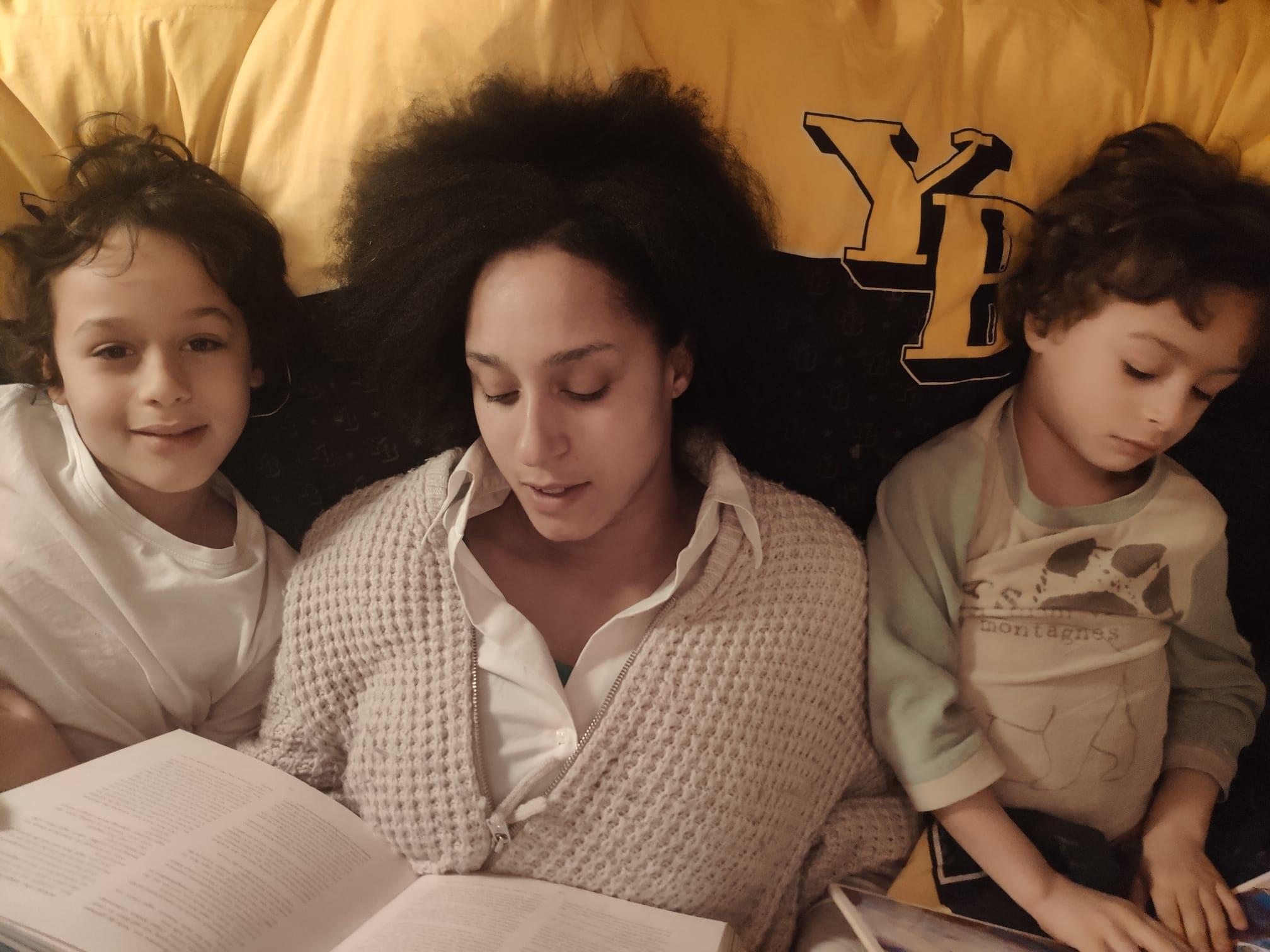 Marianne mit ihren beiden Söhnen